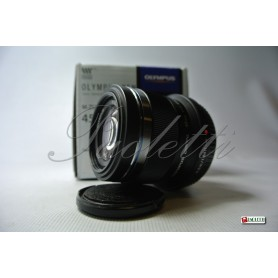 Olympus M. Zuiko Digital 45mm f1.8 Usato