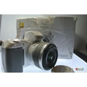 Nikon 1 Nikkor V2 - 1 Nikkor VR 10-30mm 1:3.5-5.6 (White) Usata