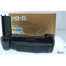 Nikon Multi-Power battery pack MB-15 Nikon F100  Usata
