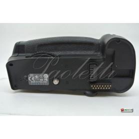 Nikon Multi-Power Battery Pack MB-D10 per Nikon D700 D300 D300s Usato